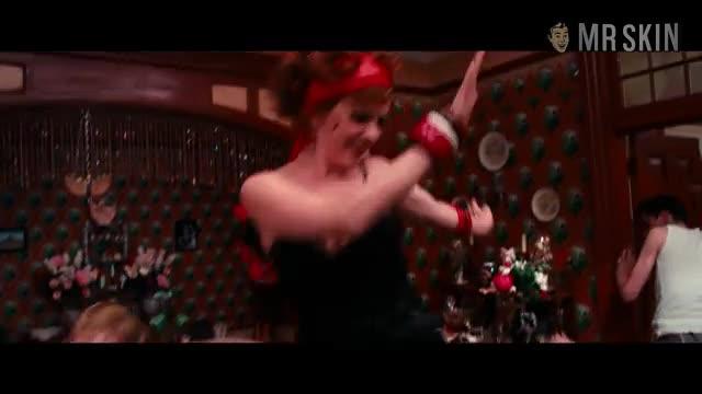 Isla Fisher sexy scene - The Great Gatsby