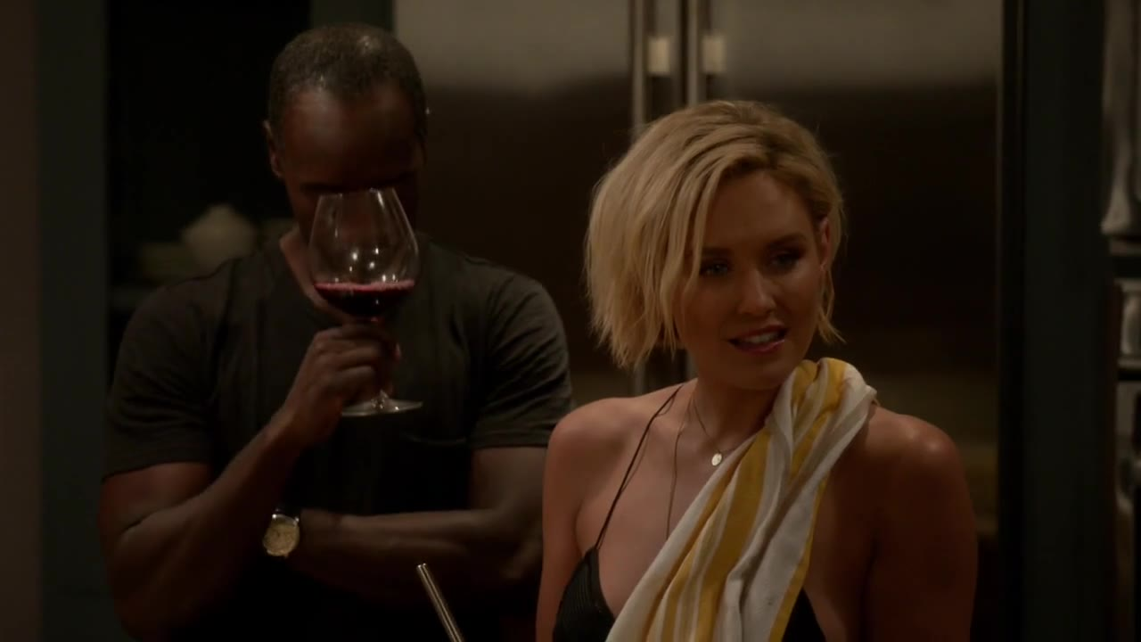 Sexy discussion with Kristen Bell and Nicky Whelan
