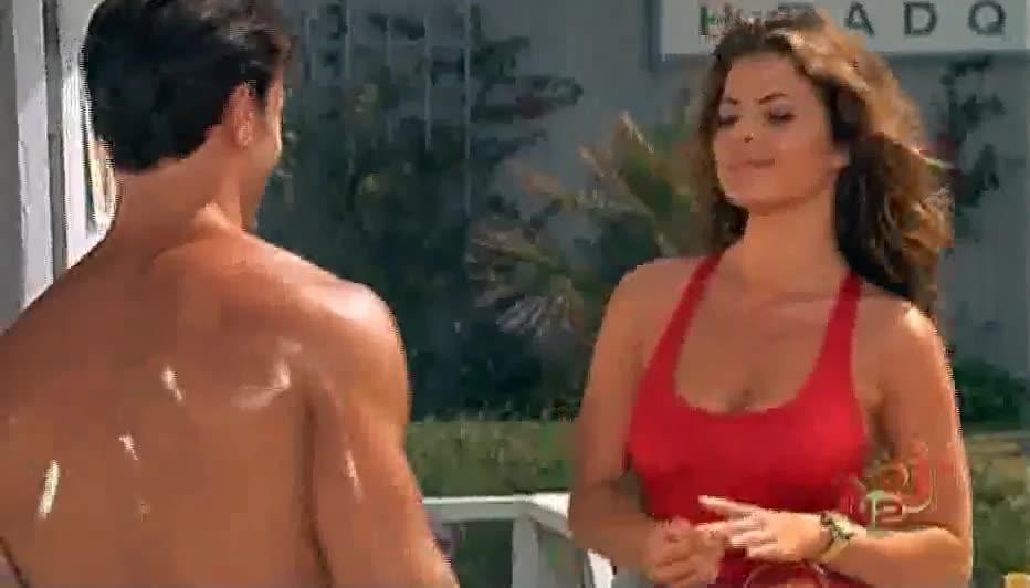 Yasmine Bleeth sexy scene - Baywatch
