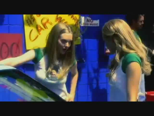 Amanda Seyfried must watch clip in Veronica Mars