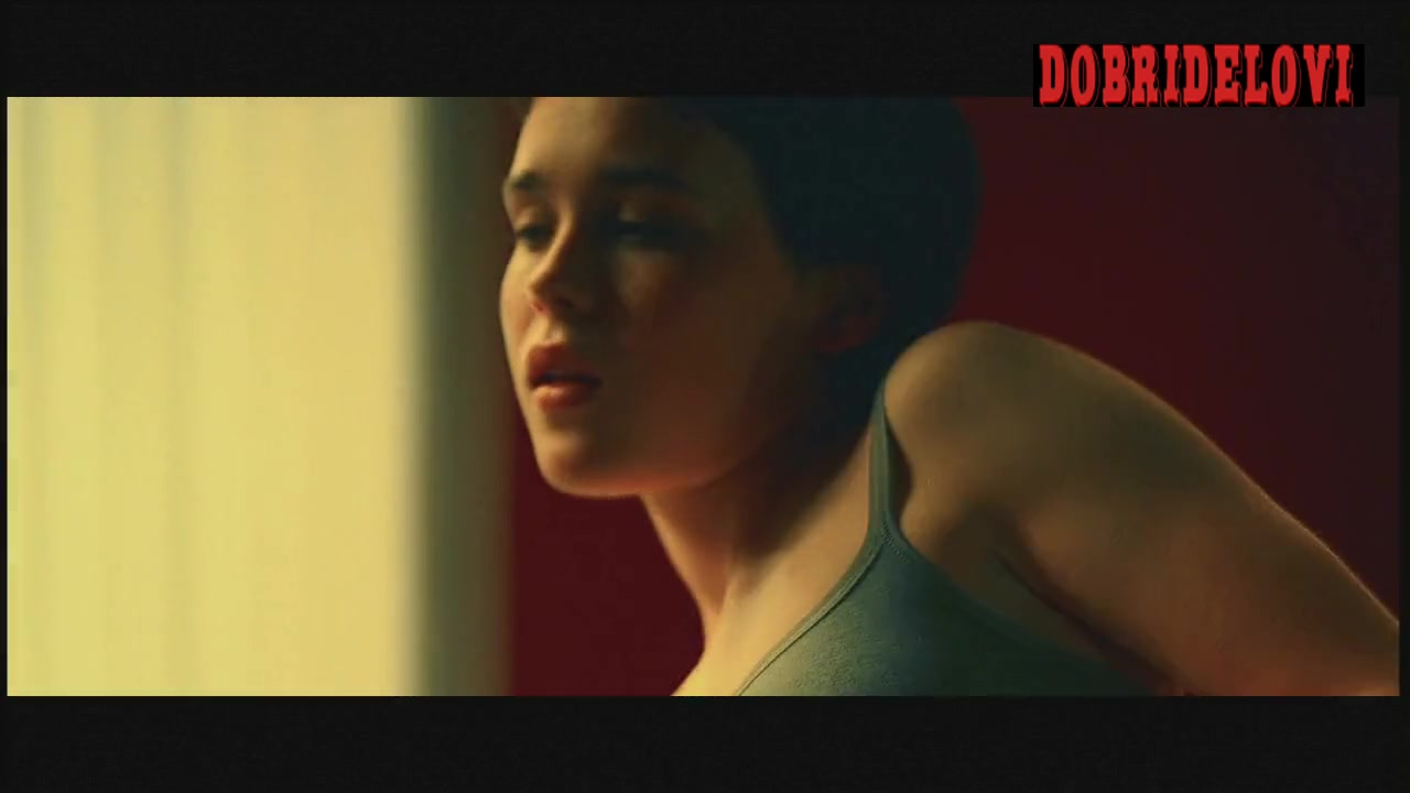 Ellen Page undressing scene from Hard Candy