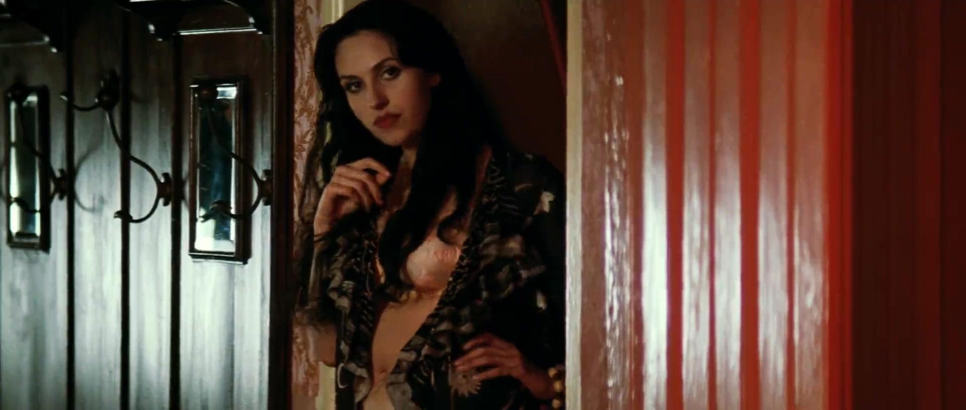 Monica Bellucci looks fantastic - Mal