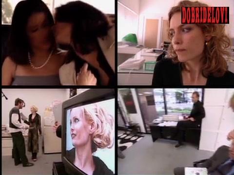 Salma Hayek lesbian kiss scene from Timecode