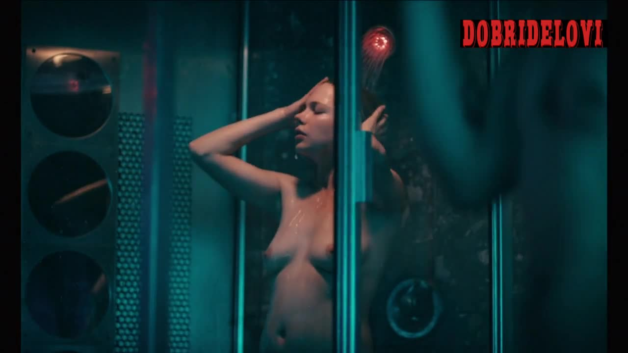 Michelle Williams shower scene with Ryan Gosling in Blue Valentine