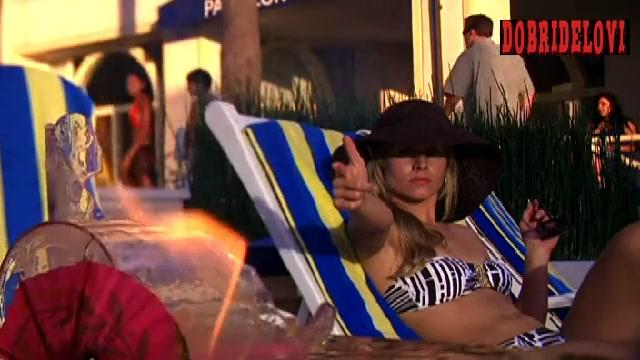 Kristen Bell sexy bikini scene from Heroes