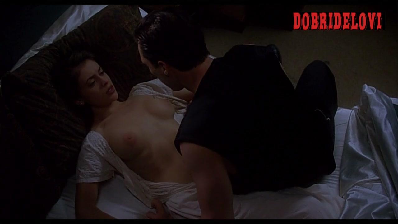 Alyssa Milano action with vampire