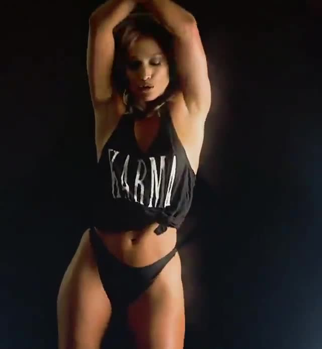 Jennifer Lopez Karma dance