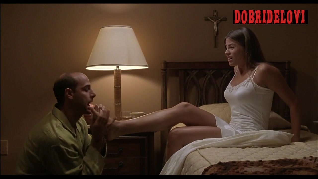 Sofia Vergara feet sucked scene from Big Trouble