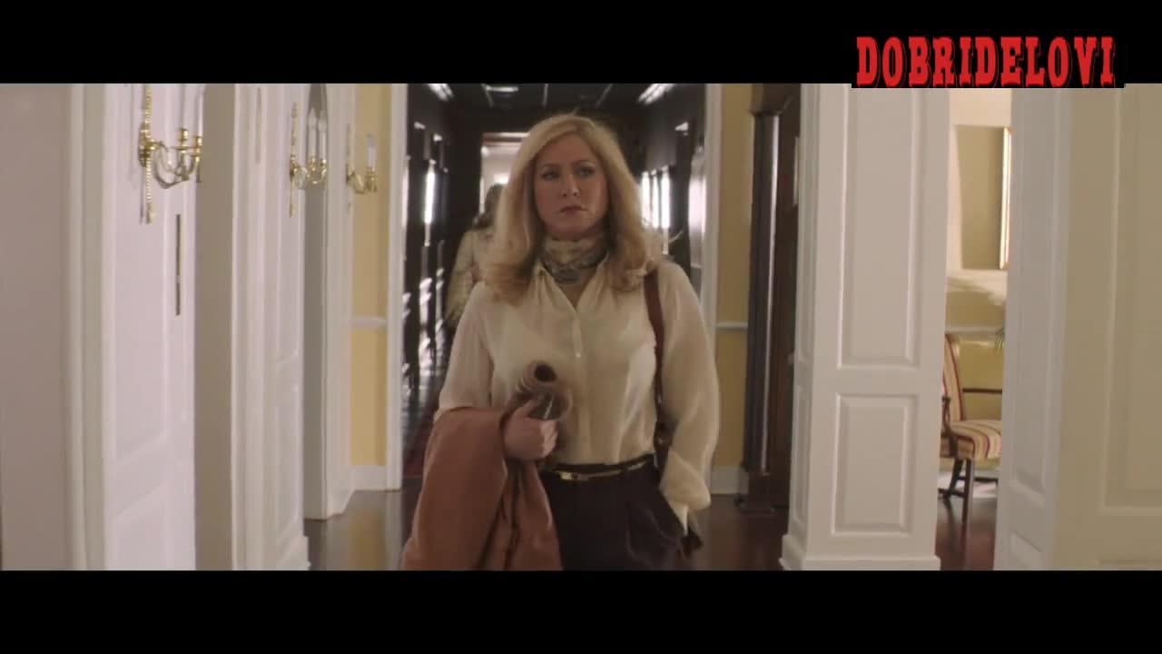 Jennifer Aniston pokies scene from Life of Crime