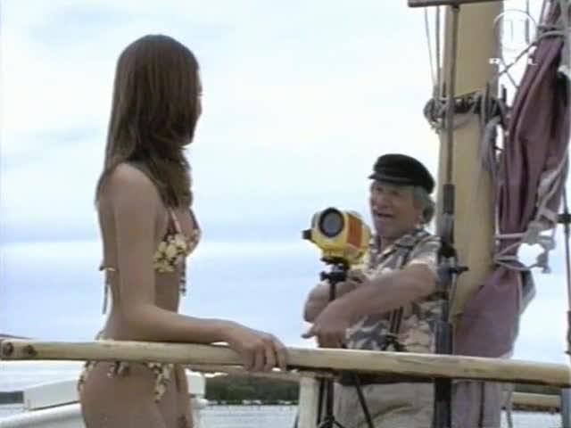 Jessica Alba looks fantastic - The New Adventures of Flipper