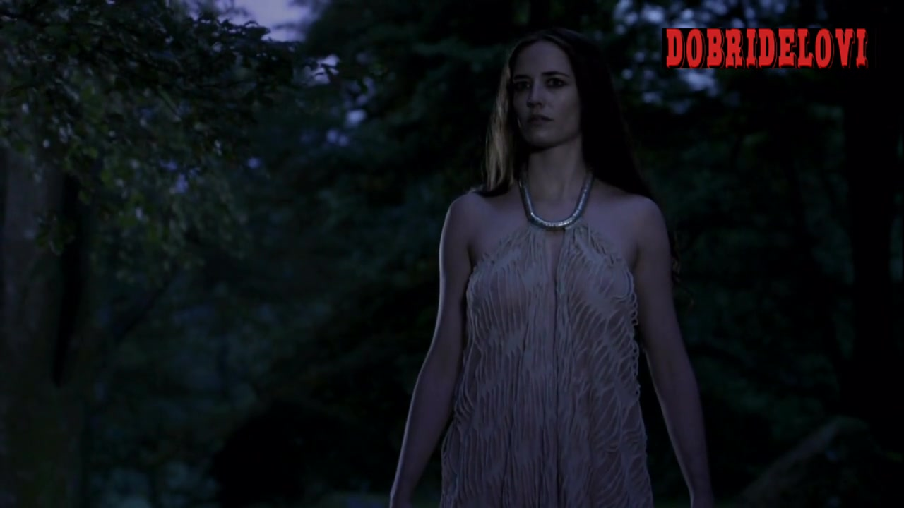 Eva Green undresses for wolf scene from Camelot
