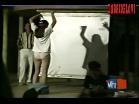 Watch Jennifer Garner stage scene from VH1 Celebreality video