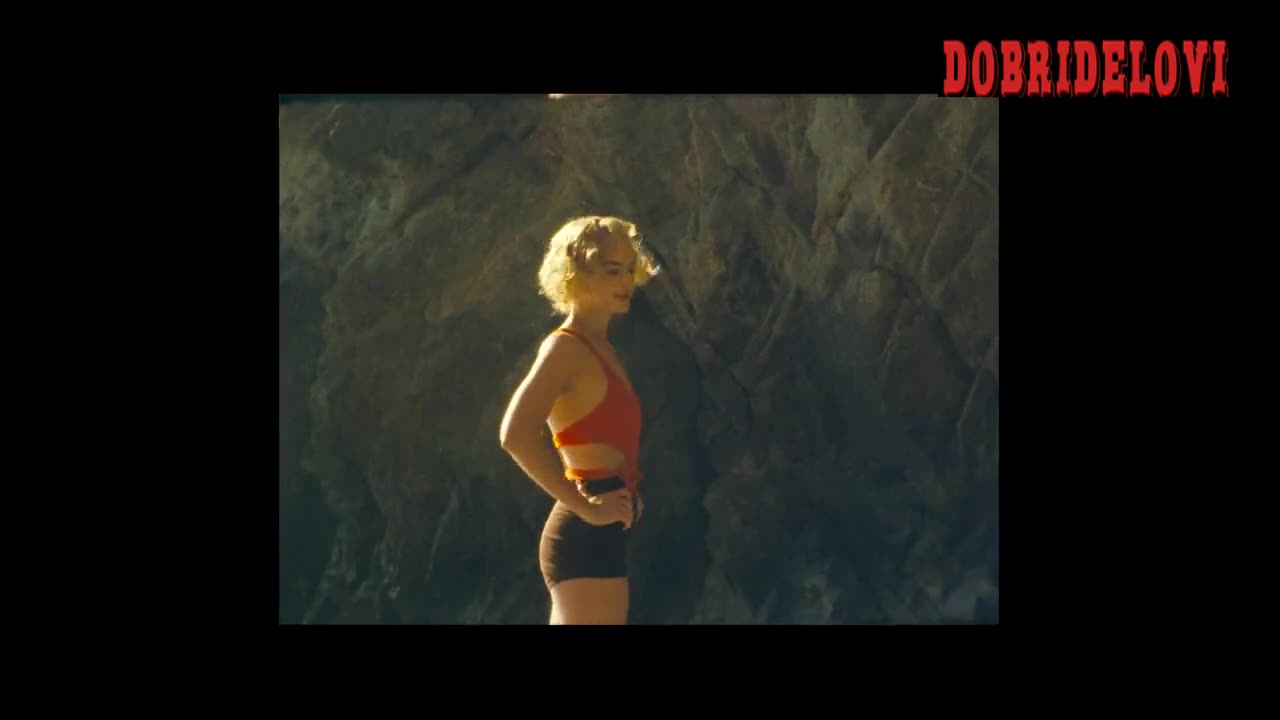 Margot Robbie sexy short shorts for end credits from Dreamland