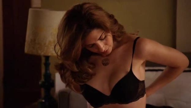 Callie Thorne looks fantastic - Californication