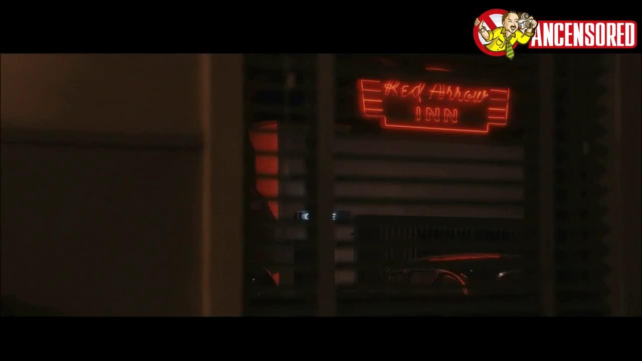 Hilary Swank screentime - The Black Dahlia