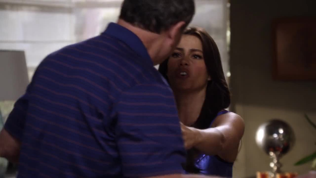 Sofia Vergara sexy blue nightie scene from Modern Family