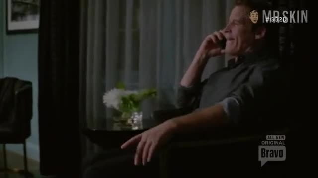 Lisa Edelstein screentime in Girlfriends Guide to Divorce