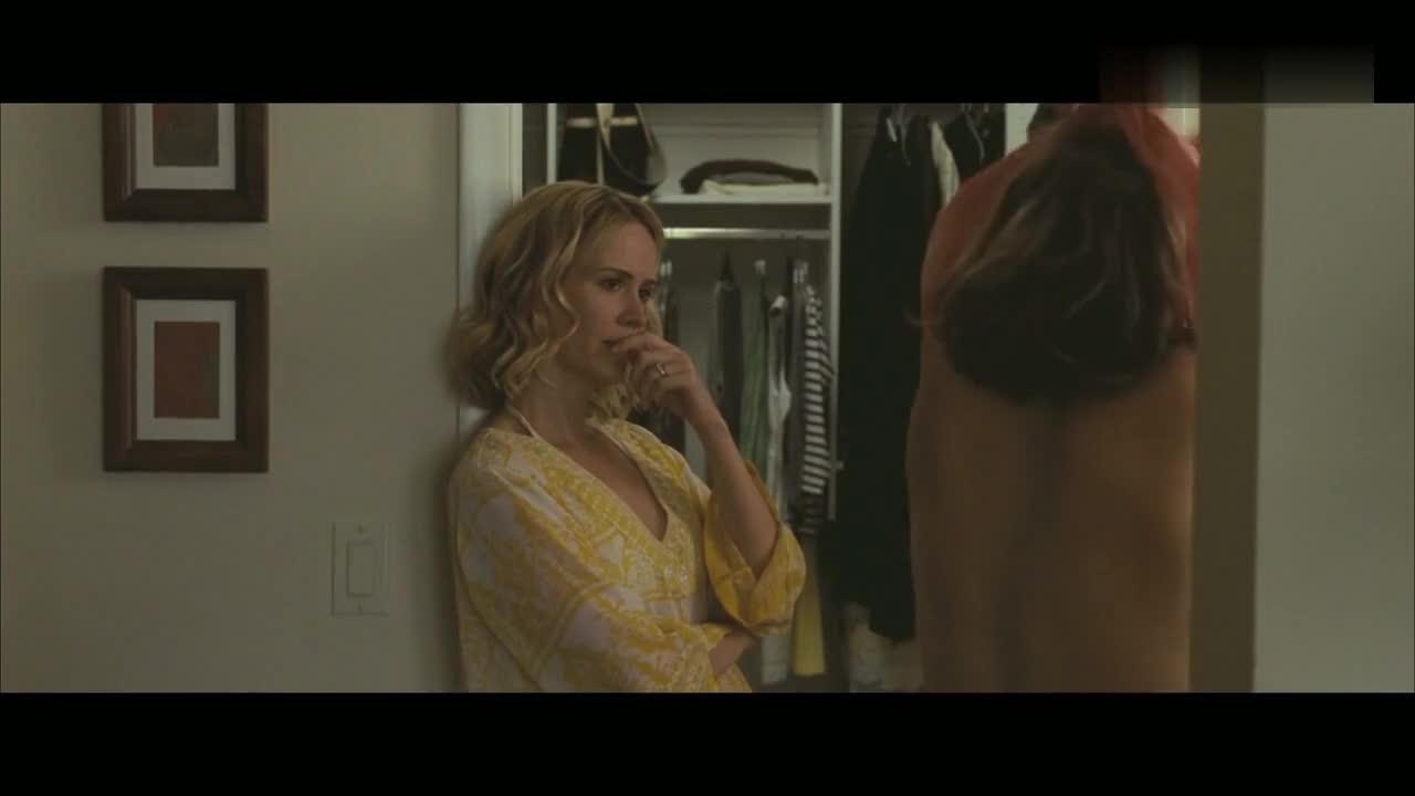 Elizabeth Olsen sexy scene in Martha Marcy May Marlene