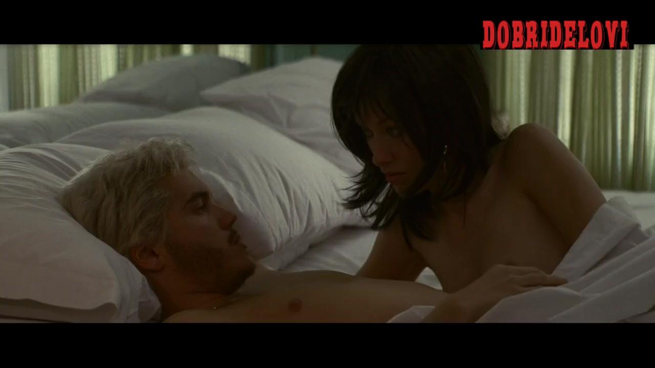 Olivia Wilde goes down on Emile Hirsch in Alpha Dog