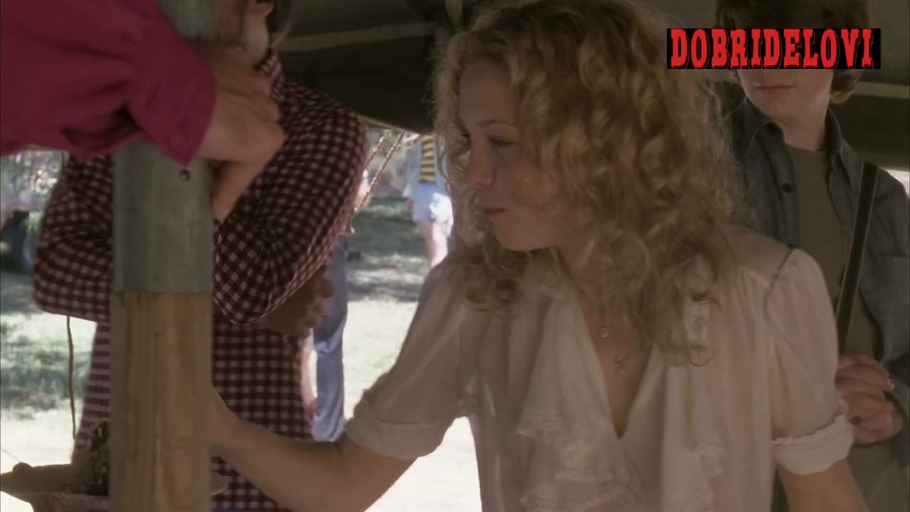 Watch Kate Hudson sexy scene from Almost Famous video