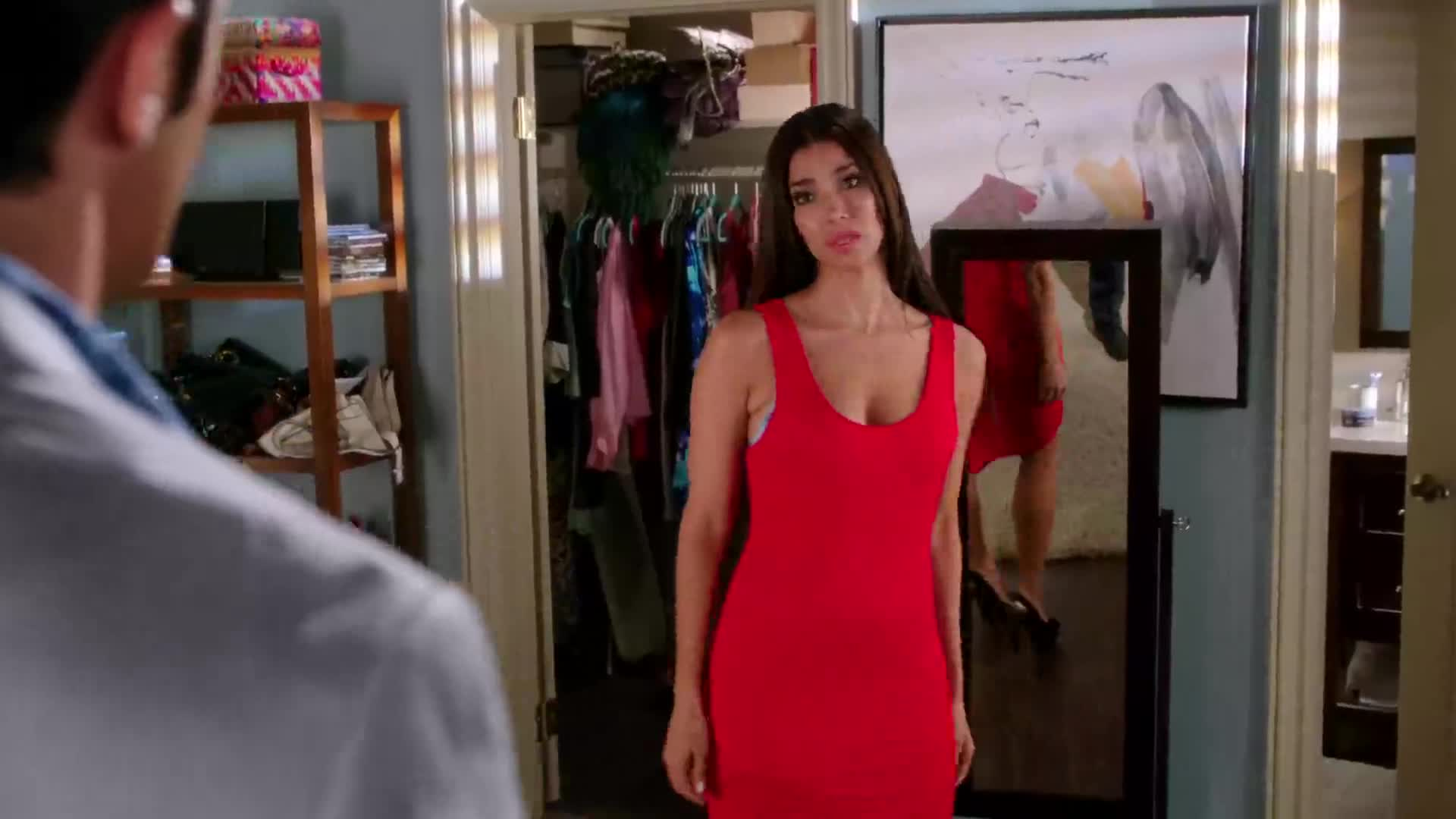 Roselyn Sanchez looks fantastic - Devious Maids