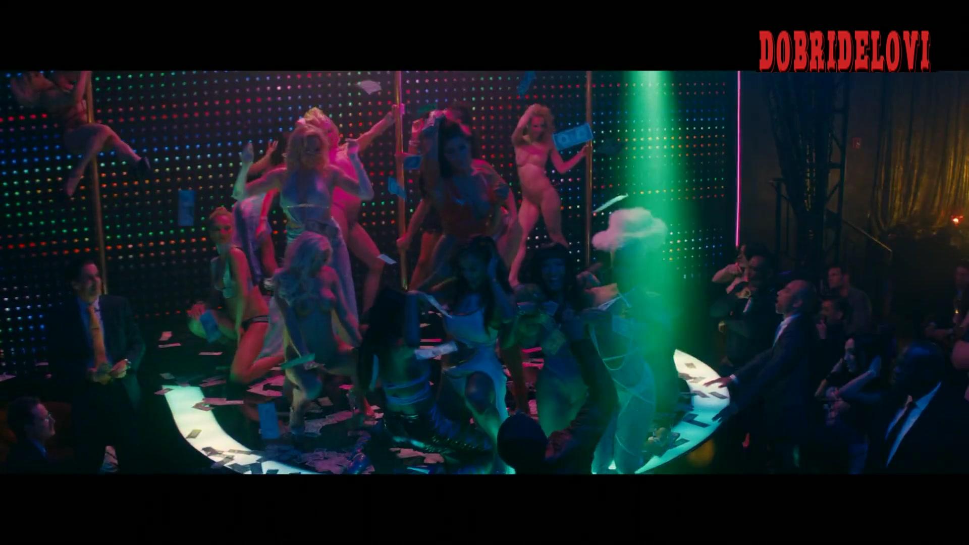 Jennifer Lopez and stripper friends put on a show in Husterls