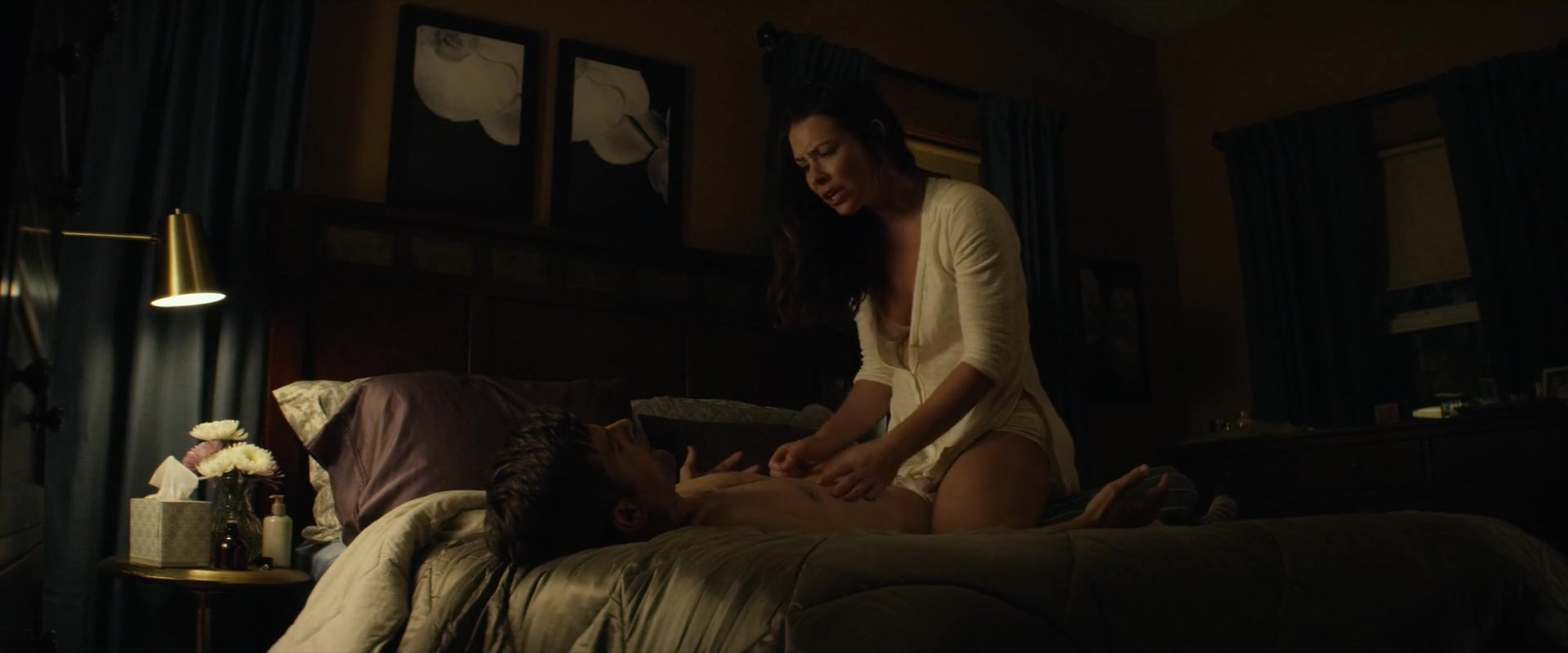 Evangeline Lilly screentime from little evil
