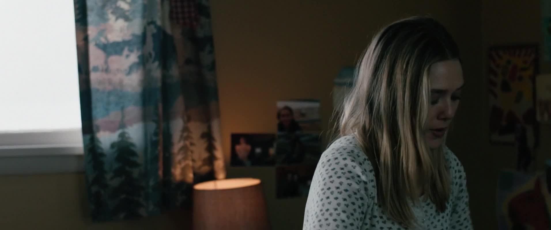 Elizabeth Olsen scene from wind river