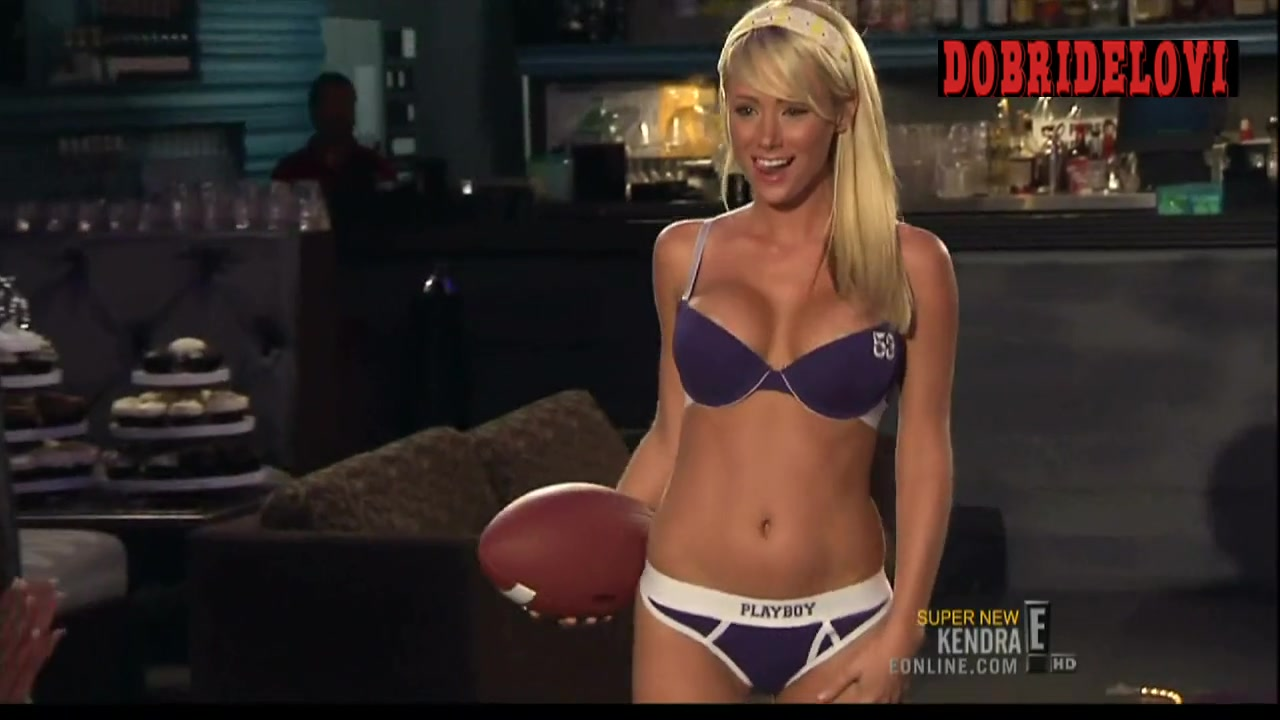 Sara Jean Underwood sexy scene from Kendra