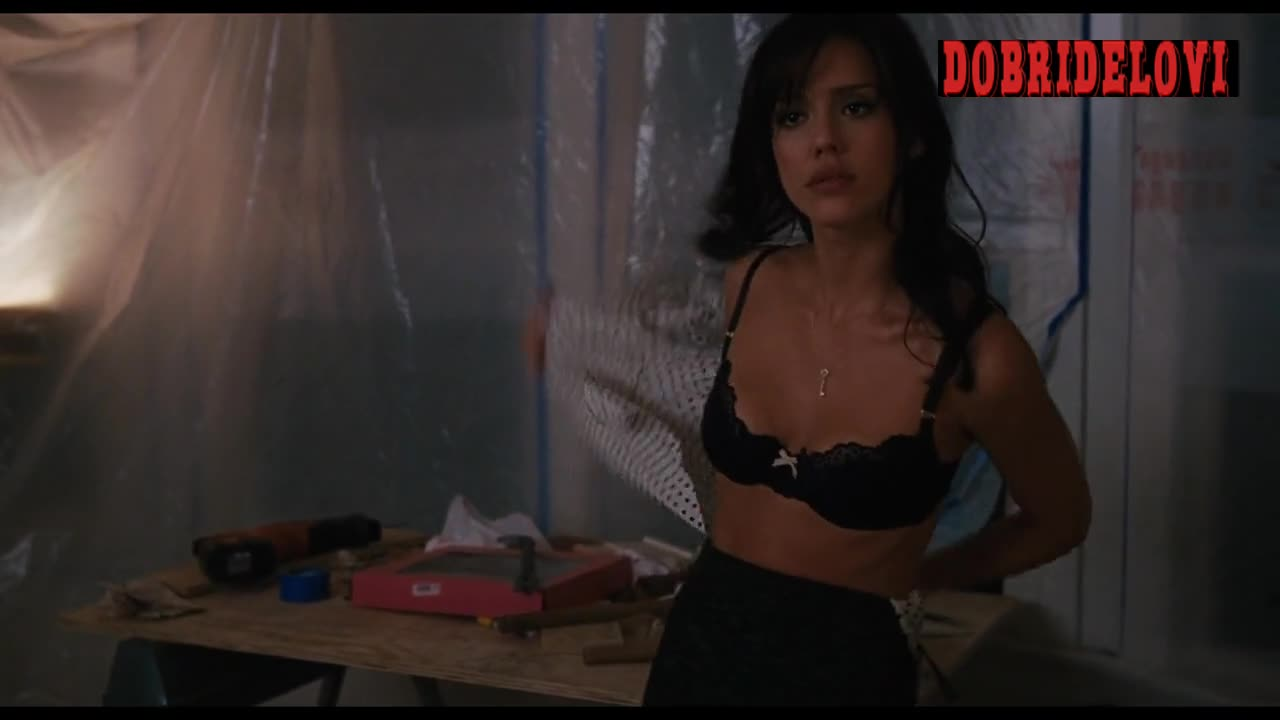 Jessica Alba undresses for Ben Stiller scene from Little Fockers