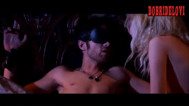 Juno Temple ties up Thomas Dekker in bed scene from Kaboom