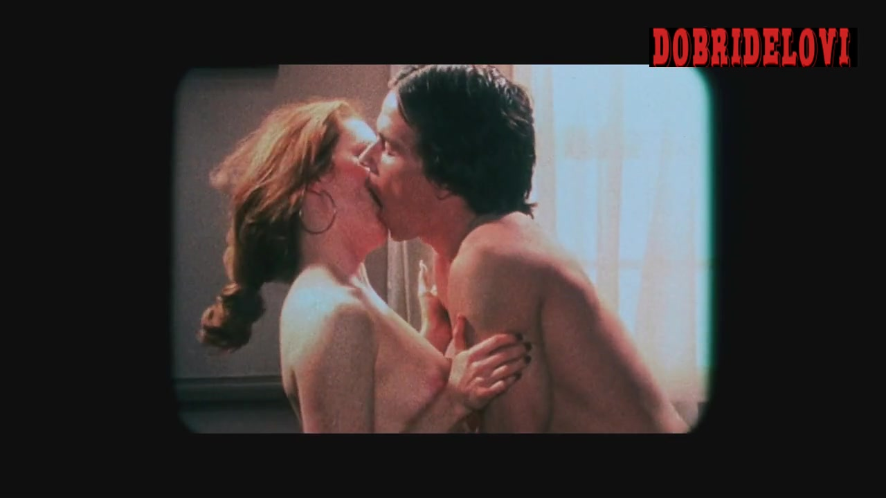 Julianne Moore porn shoot with Mark Wahlberg scene from Boogie Nights