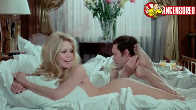 Brigitte Bardot must watch clip from The Vixen