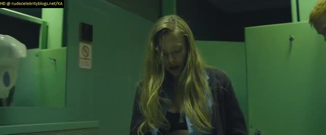 Amanda Seyfried sex on bathroom stall scene from Fathers and Daughters
