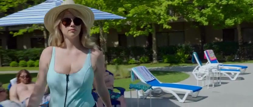 Alexandra Daddario screentime from the layover