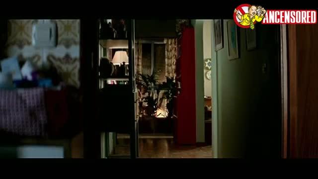 Penélope Cruz must watch clip in Volver_48