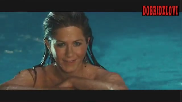 Jennifer Aniston skinny dipping scene from Marley & Me