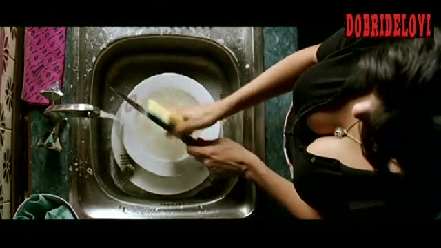 Penélope Cruz cleavage washing dishes scene from Volver