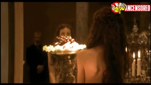 Saffron Burrows sexy scene in Klimt