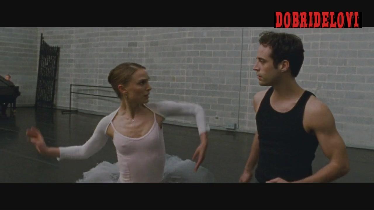 Natalie Portman ballet dancing scene in Black Swan