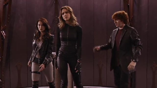 Jessica Alba must watch clip - Spy Kids All the Time in the World