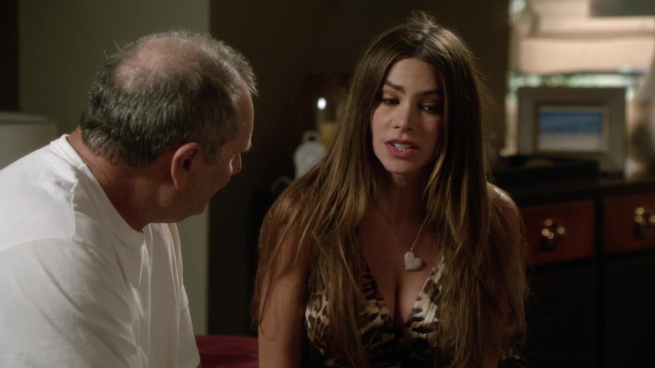 Sofia Vergara sexy nightie demands for sex time with Ed Oneill