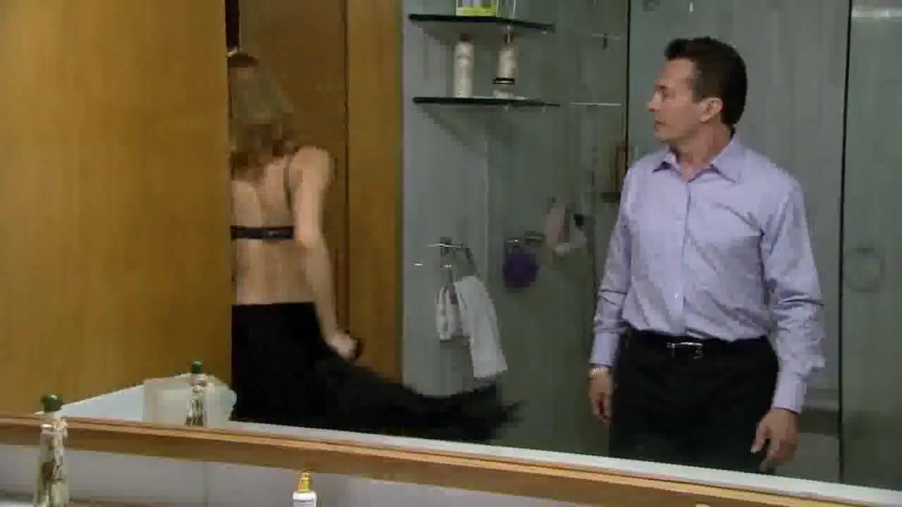 Silvia Carusillo sexy scene from Las aparicio