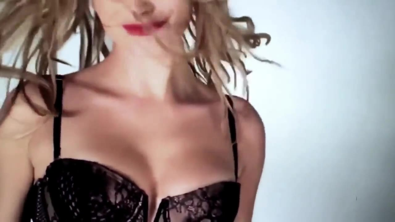 Hailey Baldwin must watch clip from love advent