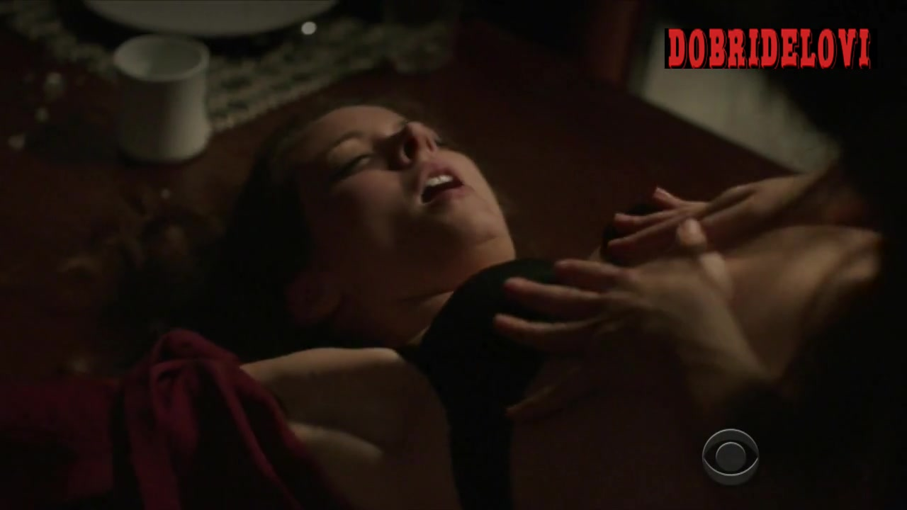 Sarah Shahi and Amy Acker lesbian scene from Person of Interest