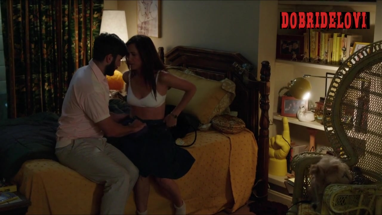 Kristen Wiig undressing scene from Welcome to Me