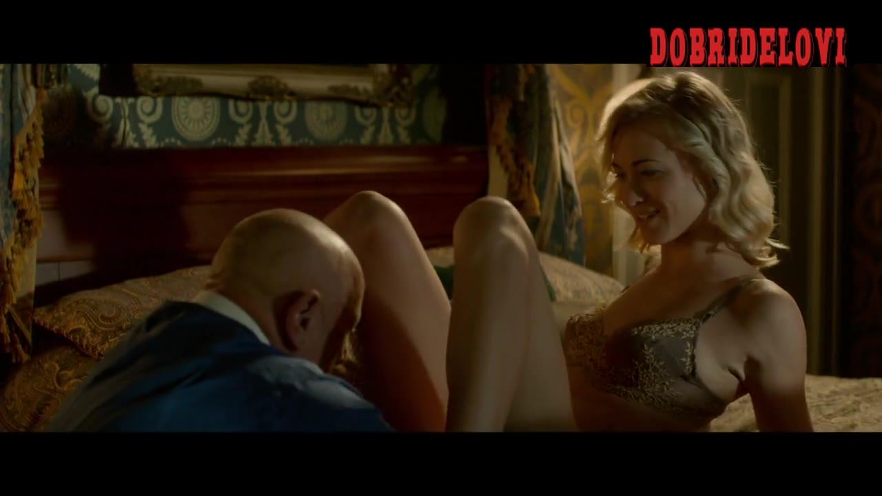 Watch Yvonne Strahovski oral sex scene from Manhattan Night video