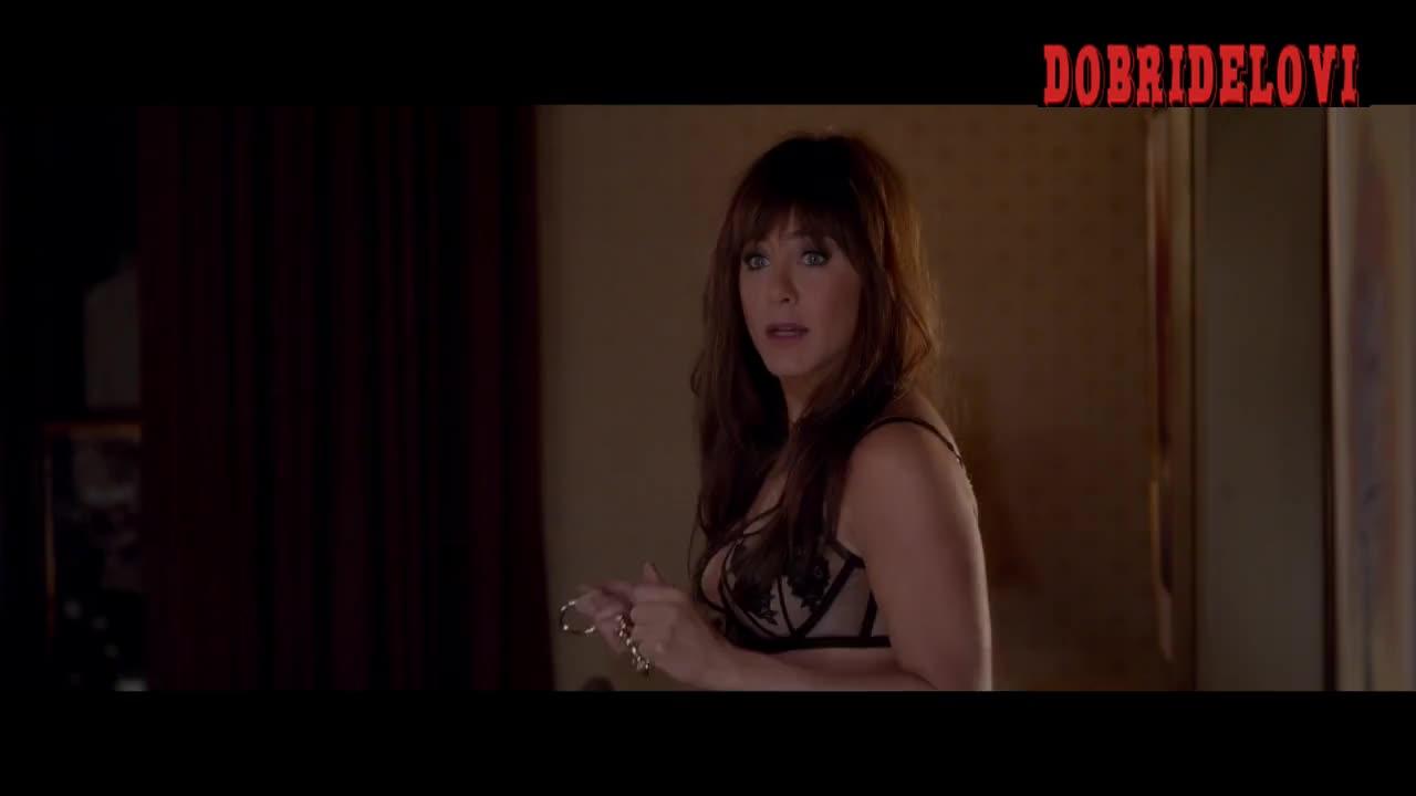 Jennifer Aniston cleavage scene from Horrible Bosses 2