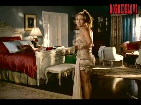 Jennifer Lopez rips dress due to having bit butt scene from Monster-in-Law