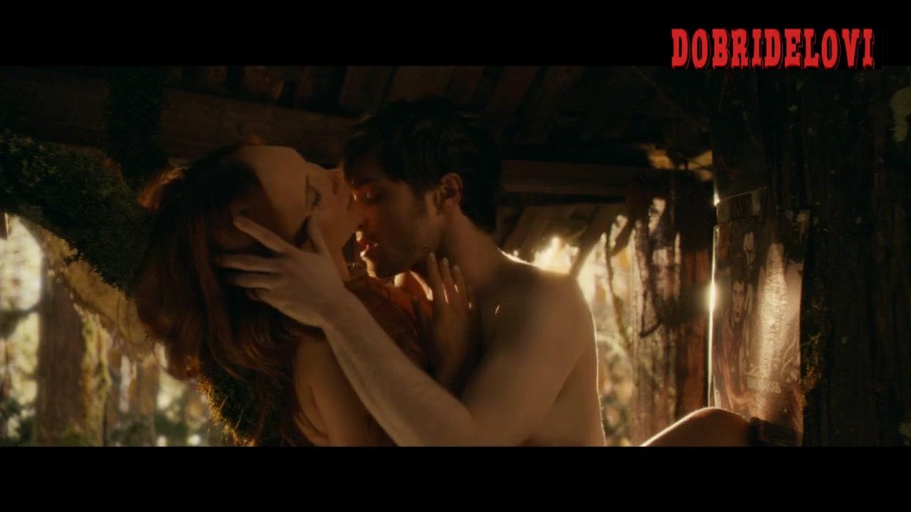 Juno Temple sexes Harry Potter scene from Horns